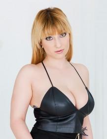 Girl Lucie Fernandez