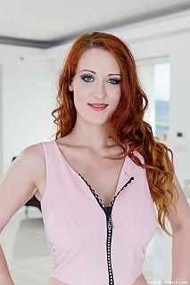 Isabella Lui pic #2