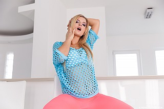 Jemma Valentine pic #3