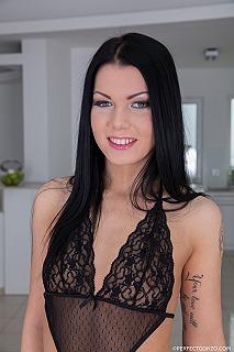 Sofia Like pic #2